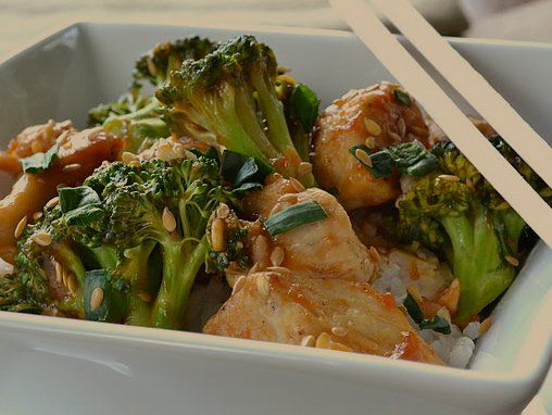 Easy Low Fat Peanut Sauce with Chicken and Broccoli
